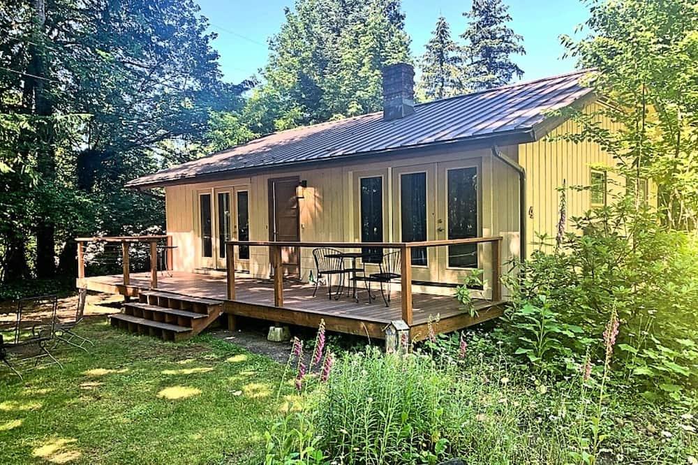 Paaugstināta komforta māja, divas guļamistabas, virtuve - Terase/iekšējais pagalms