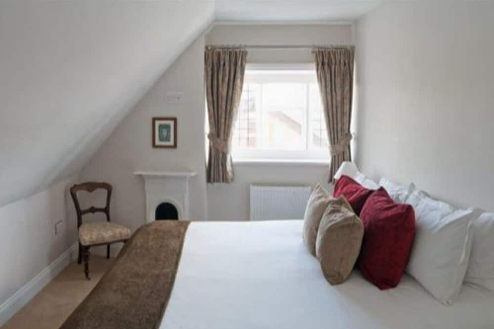 Superior Double or Twin Room, Shared Bathroom ((With Bath Only)) - Guest Room