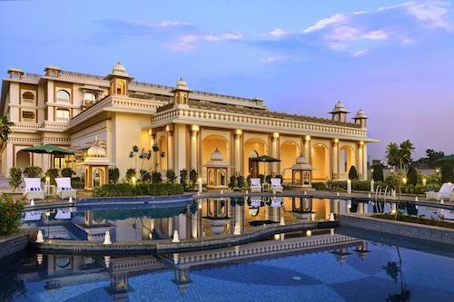 印達納宮殿酒店/