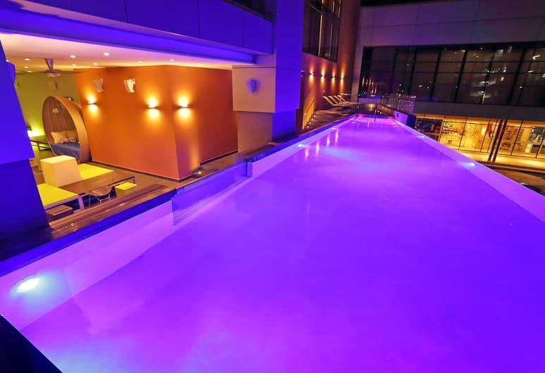 Aloft Panama, Panama City, Pool