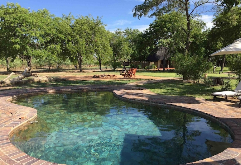 萬基大象之眼飯店, 德特, 室外游泳池