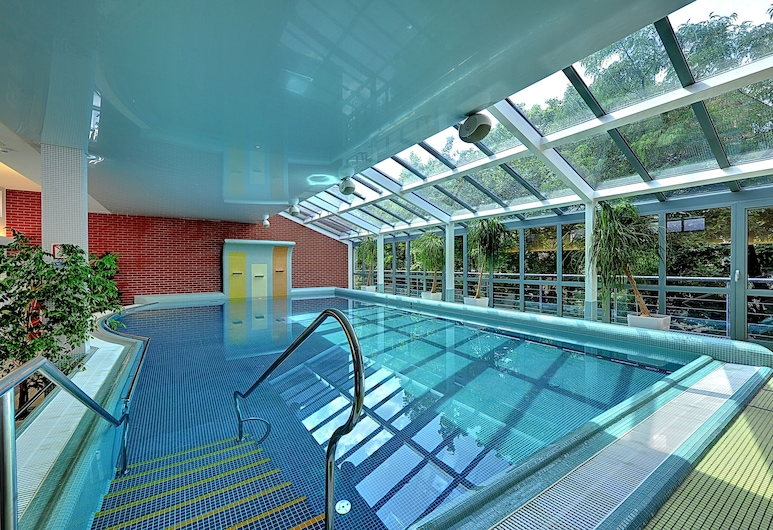 St. Joseph ROYAL REGENT, Karlovy Vary, Krytý bazén
