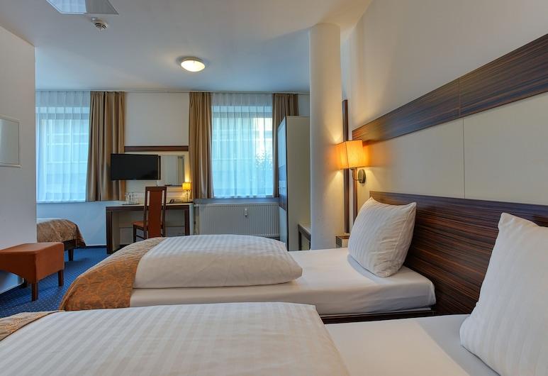 Centro Hotel Celler Tor, Braunschweig, Standard háromágyas szoba, Vendégszoba