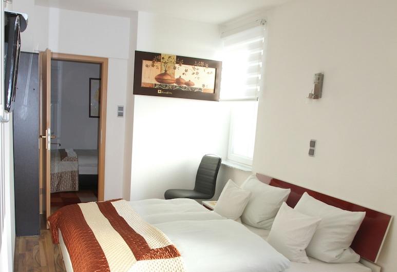 Hotel Happy, Бад-Брамштедт, Стандартный двухместный номер с 1 или 2 кроватями, Номер