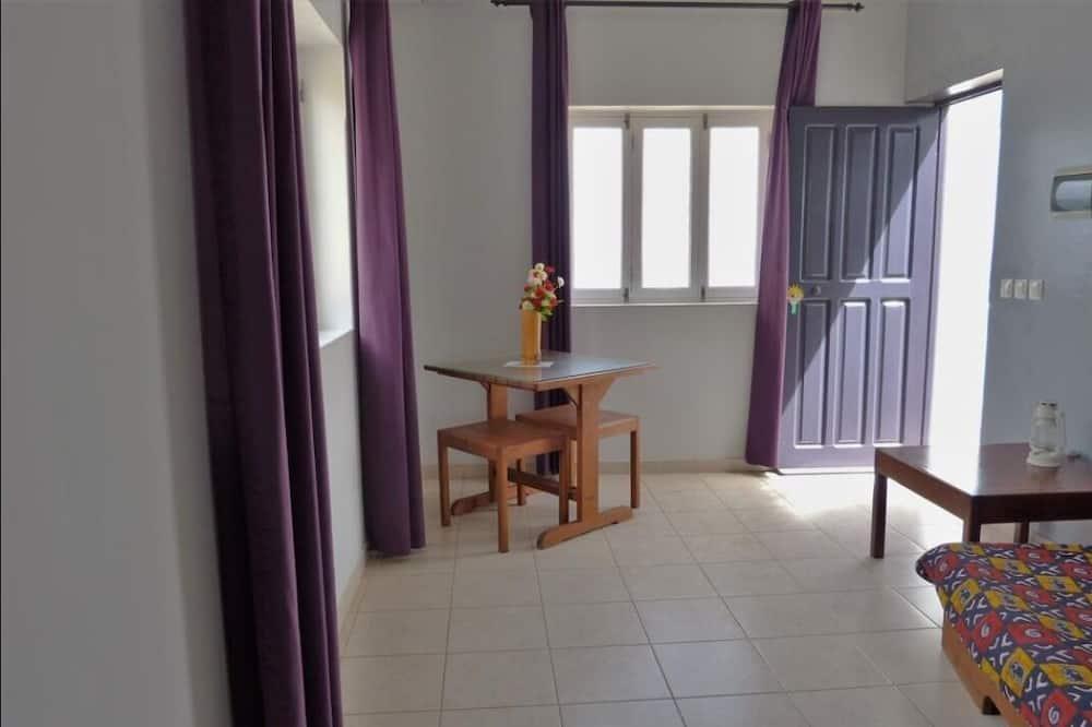 Superior Suite, Ocean View - Living Room