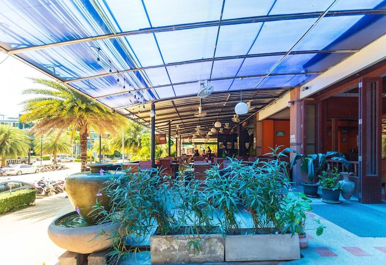 OYO 385 Aonang President Hotel, Krabi, Buitenkant