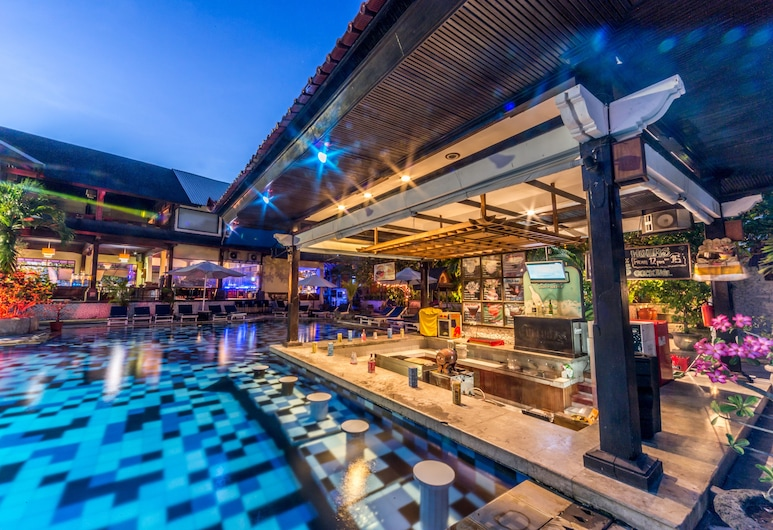 Grand Istana Rama Hotel, Kuta, Quầy bar bên hồ bơi