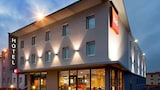 Reserve this hotel in Riom, France