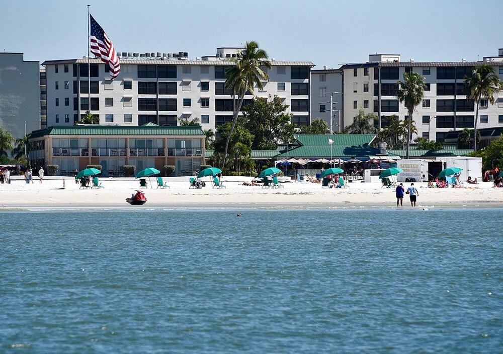 Wyndham Garden Fort Myers Beach, Fort Myers Beach, Beach Awesome Design