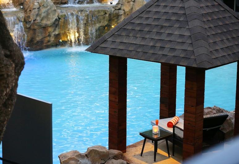 Novotel Goa Candolim Hotel, Candolim, Бассейн с водопадом