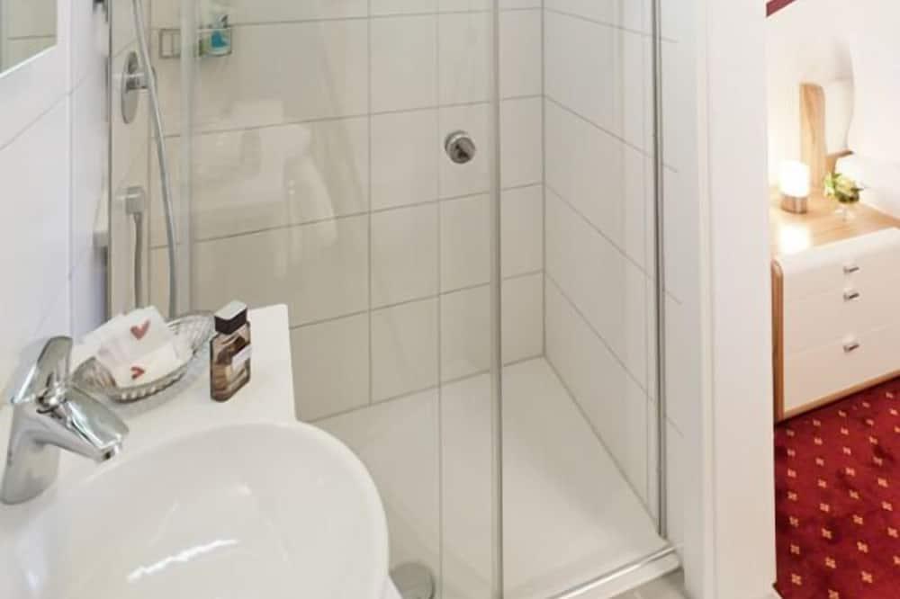 Dvojlôžková izba typu Classic, vedľajšia budova - Kúpeľňa