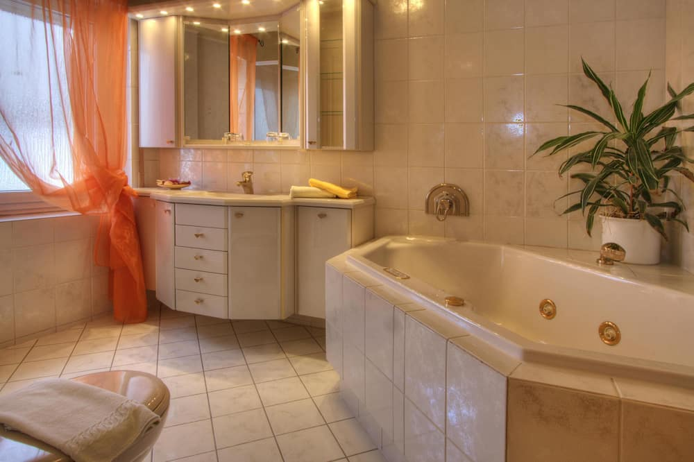 ห้องคอมฟอร์ทดับเบิล - ห้องน้ำ