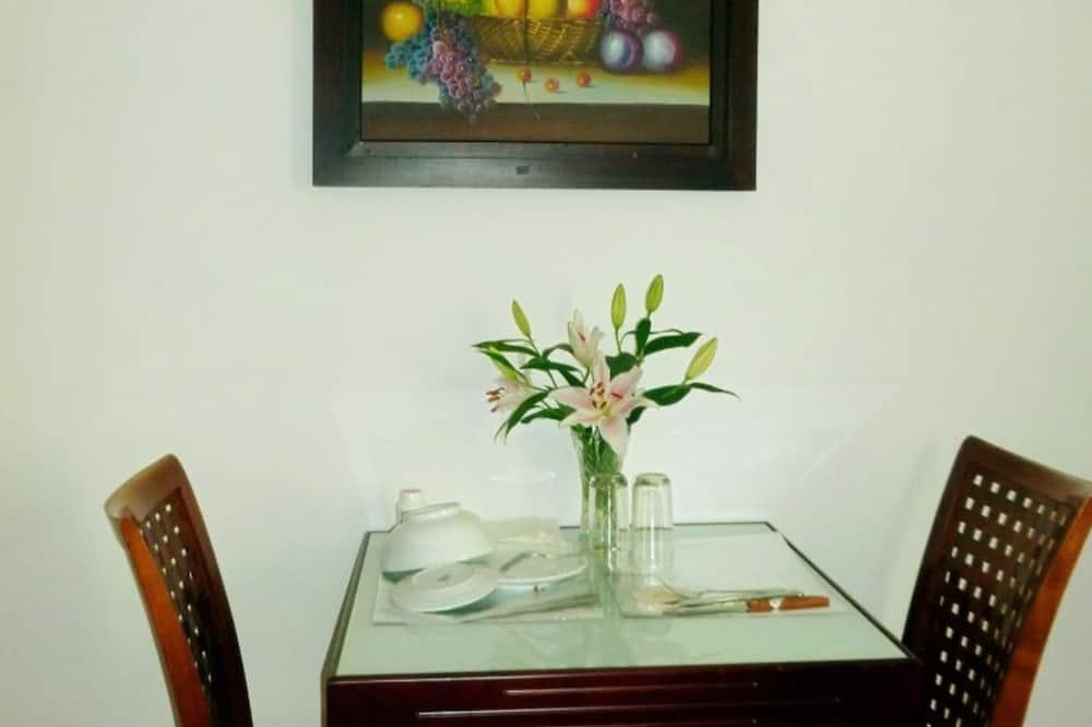 Sviitti - Ruokailu omassa huoneessa