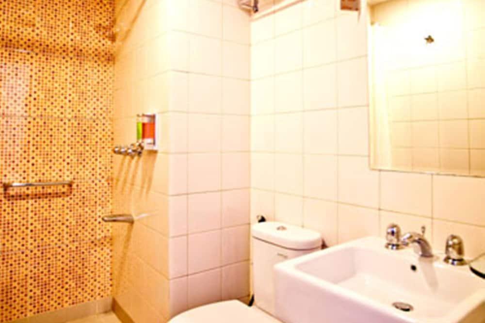 Kamar Standar, 1 Tempat Tidur Queen - Kamar mandi