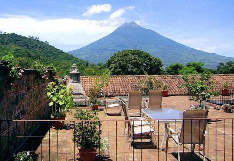 Hotel Candelaria Antigua, Antigua Guatemala, Terrace/Patio
