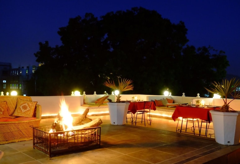 Hibiscus Guest House, Udaipur, Terrace/Patio