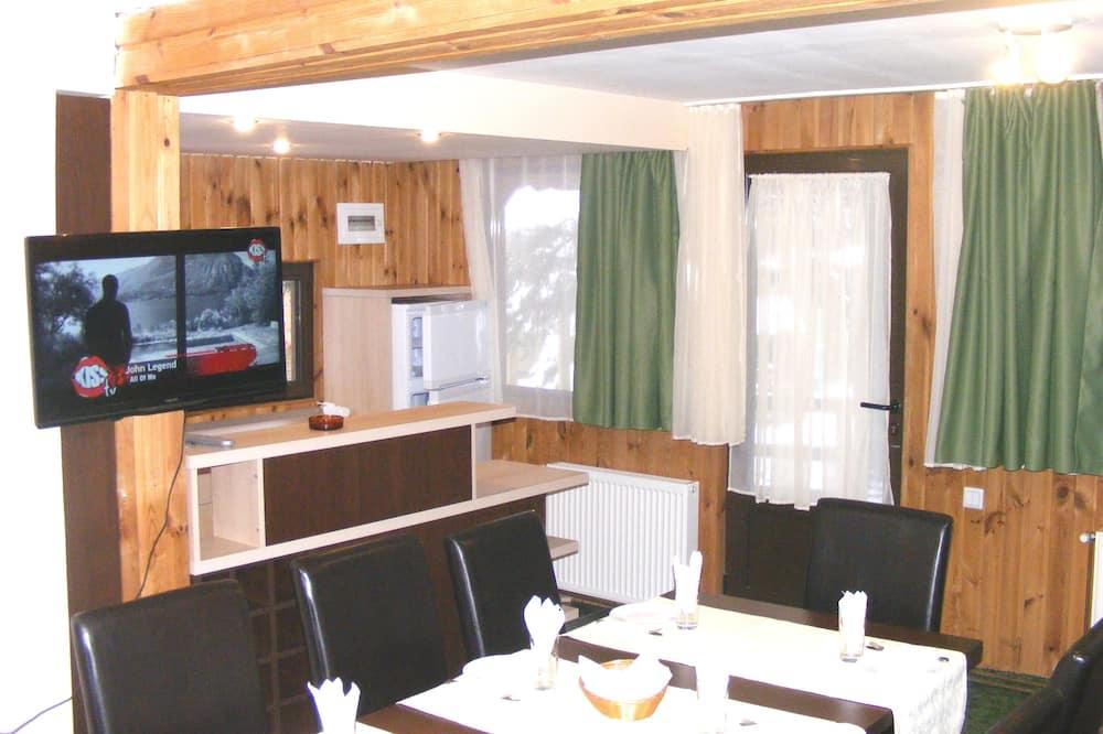 Family Maisonette 4 Bedrooms, Mountain View - Servicio de comidas en la habitación