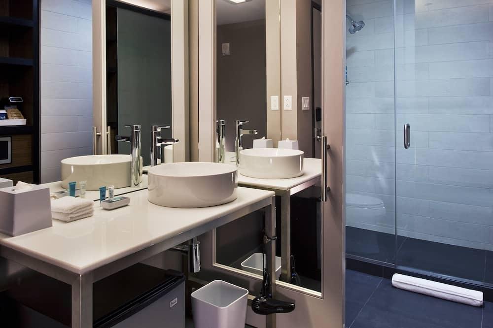 aloft, 룸, 퀸사이즈침대 2개, 금연 - 욕실
