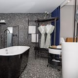 Улучшенный люкс, вид на сад - Ванная комната