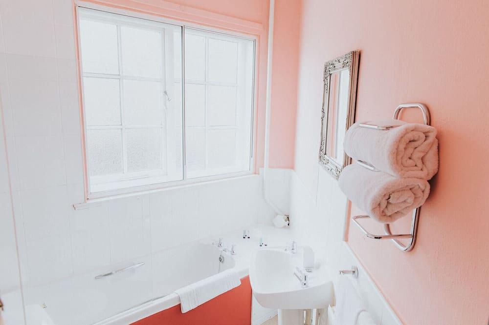 Dvojlôžková izba, súkromná kúpeľňa (Separate Bathroom) - Kúpeľňa