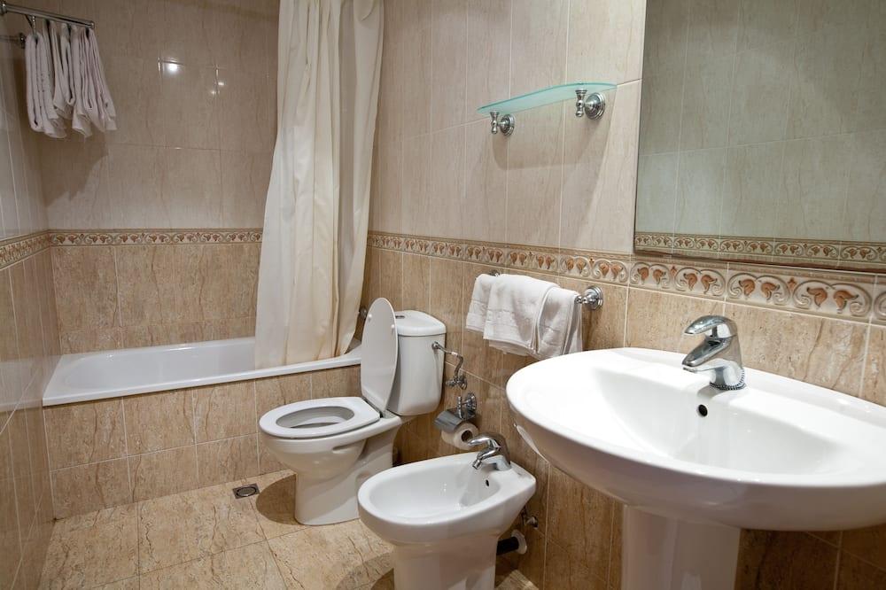 Apartamentai (6 people) - Vonios kambarys