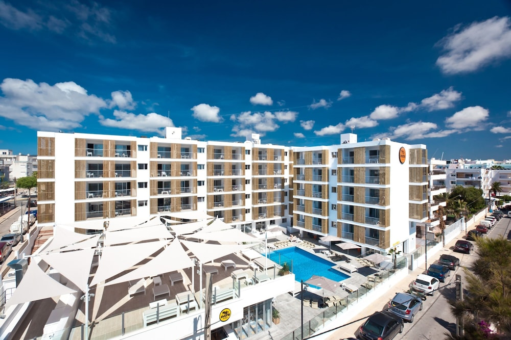Ryans Ibiza Apartments - Adults Only, Ibiza