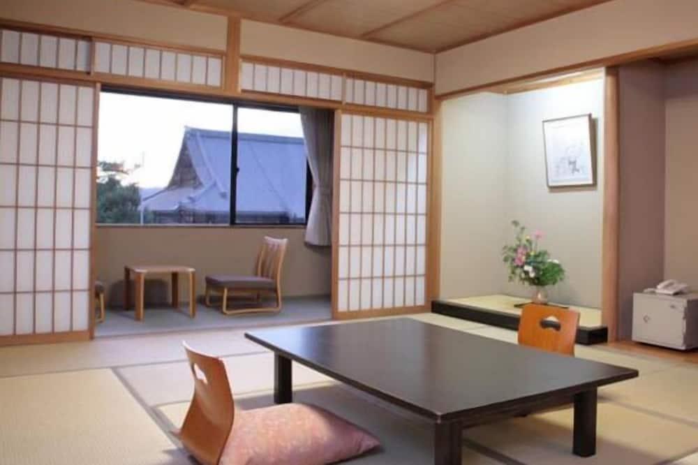 傳統客房, 日式榻榻米 - 客廳