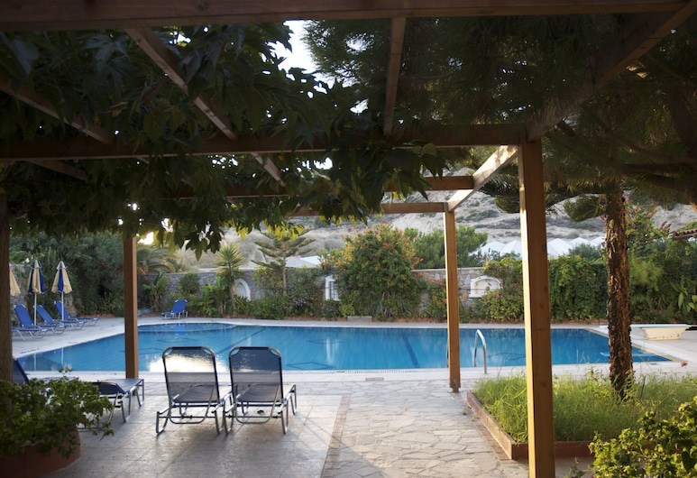 Sarikampos Beach, Jerapetra, Studija, vaizdas į baseiną, Vaizdas iš svečių kambario