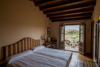 Фото Hotel Cigarral De Caravantes в Толедо