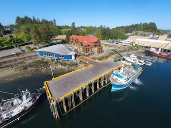 Picture of Whiskey Landing Lodge in Ucluelet