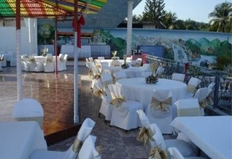 Pavillon des Receptions & Hotel, Pétionville, Außenbereich für Bankette