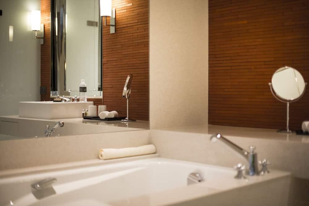 豪華雙人房, 1 張特大雙人床, 城市景觀 - 浴室