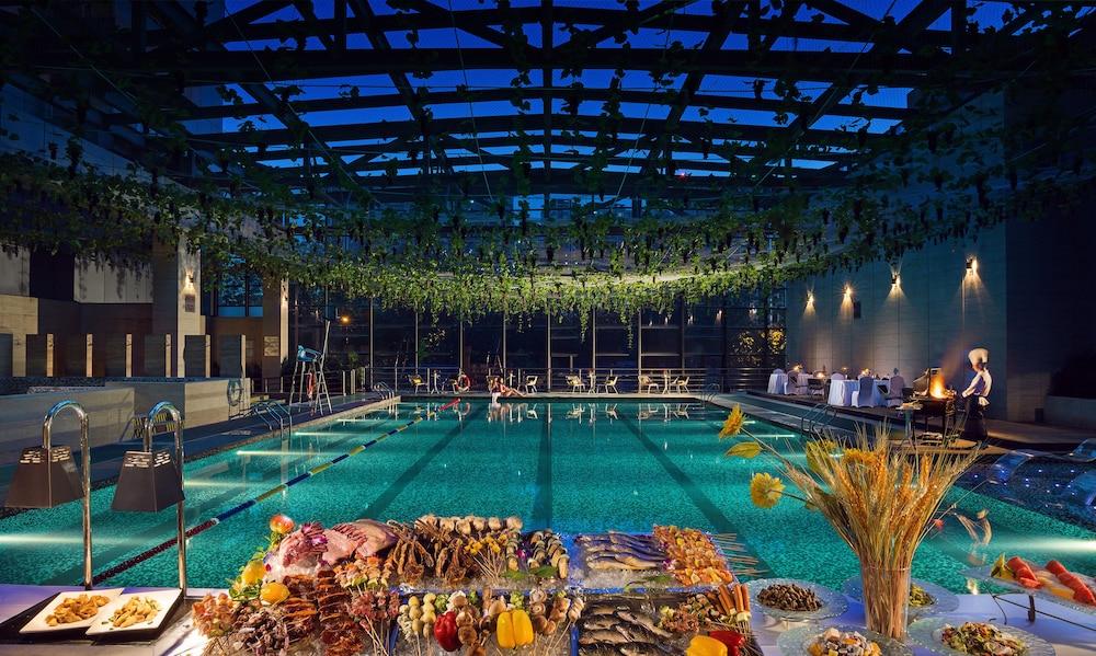 M Hotel Chengdu Indoor Pool