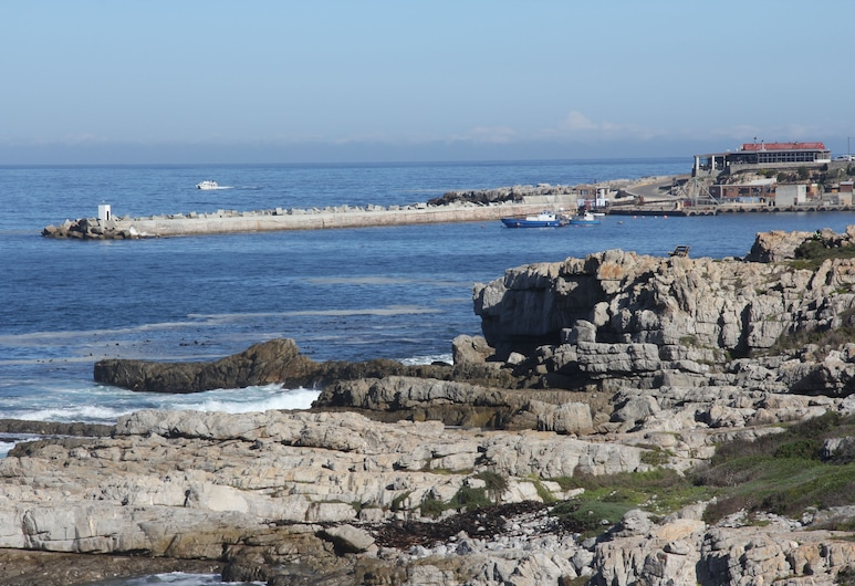 On the Cliff Guest House, Hermanus, View from Hotel