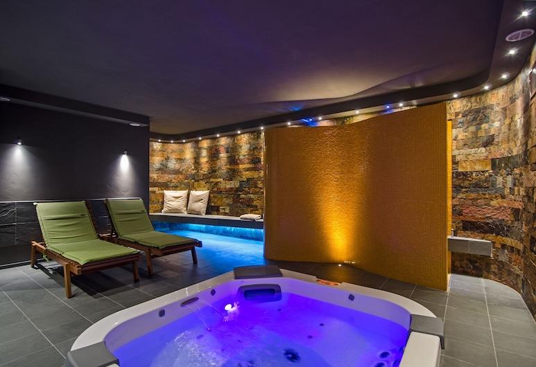 Lucca in Azzurro Maison de Charme, Lucca, Indoor Spa Tub