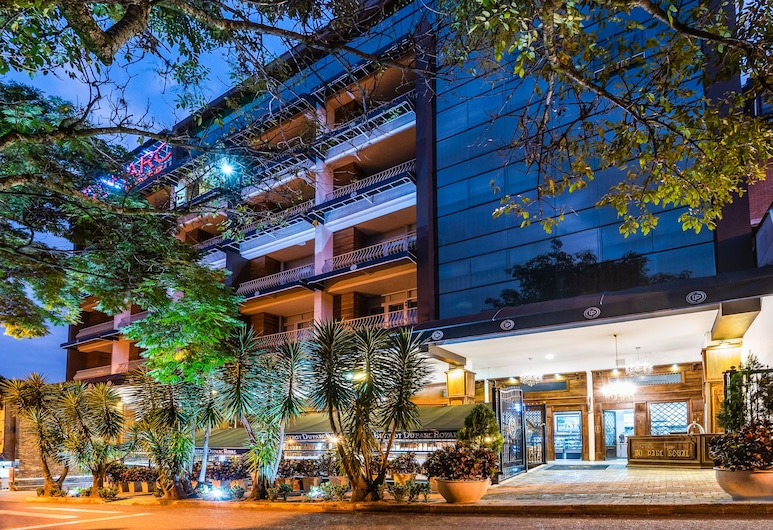 Hotel Du Parc Royal, Medellin, Otelin Önü