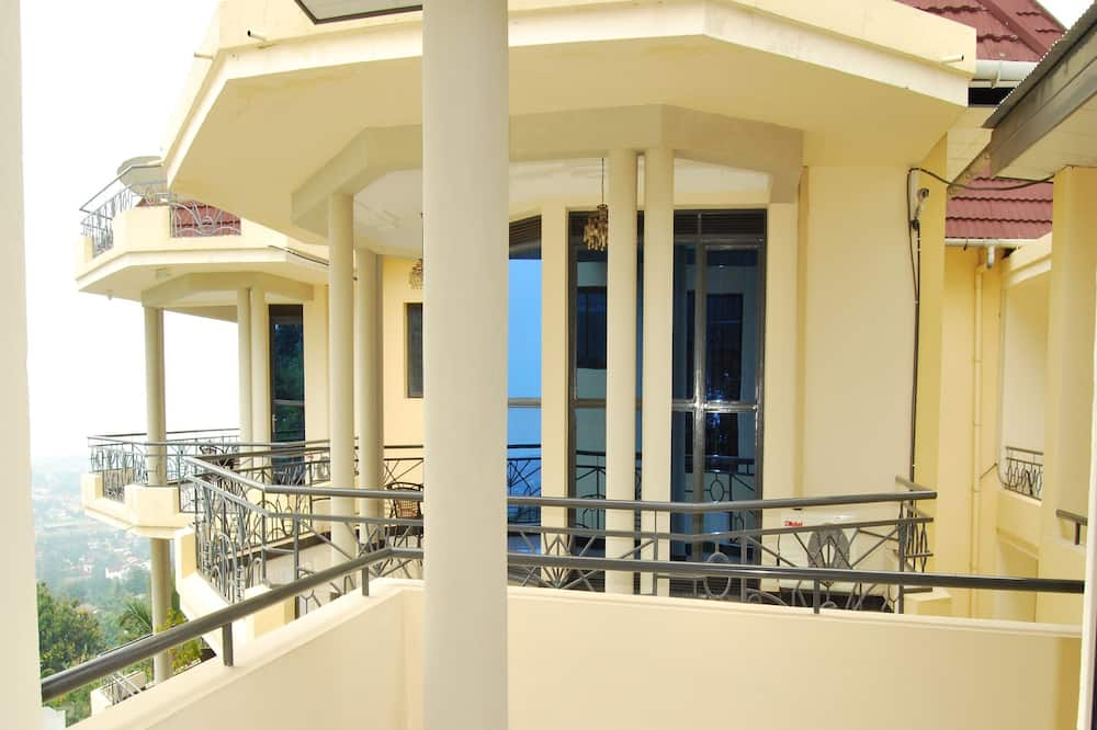 Superior Room, 5 Bedrooms, Accessible, City View - Balcony