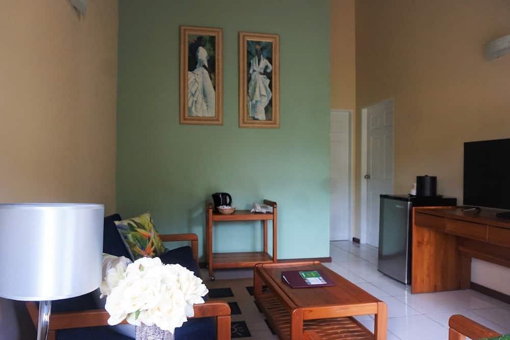 סוויטה משפחתית, 2 חדרי שינה, נוף לחצר - סלון