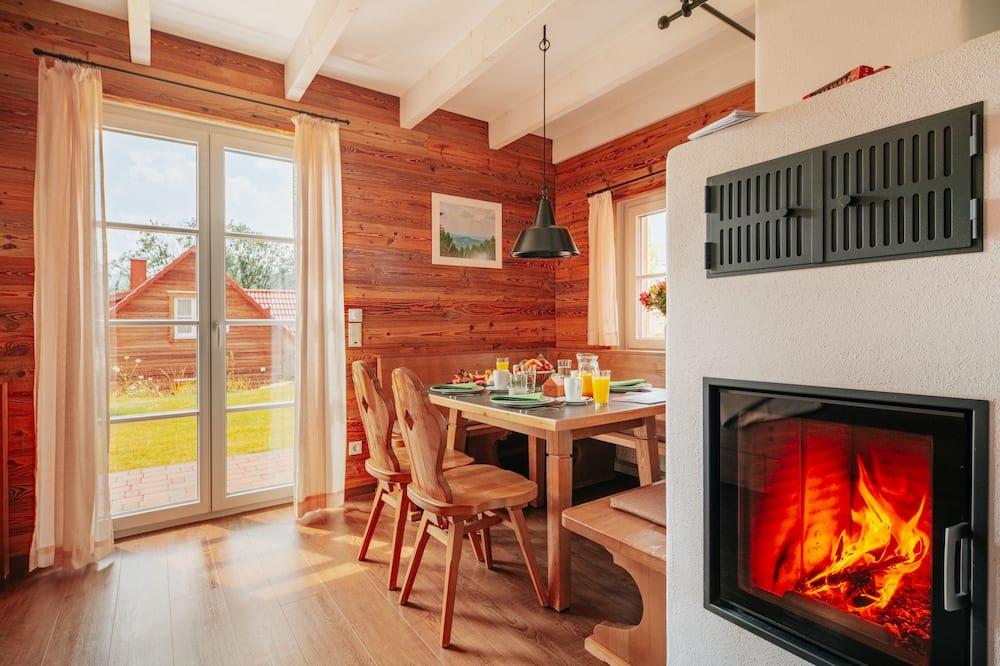 Family House, 3 Bedrooms, Fireplace - Ruang Tamu