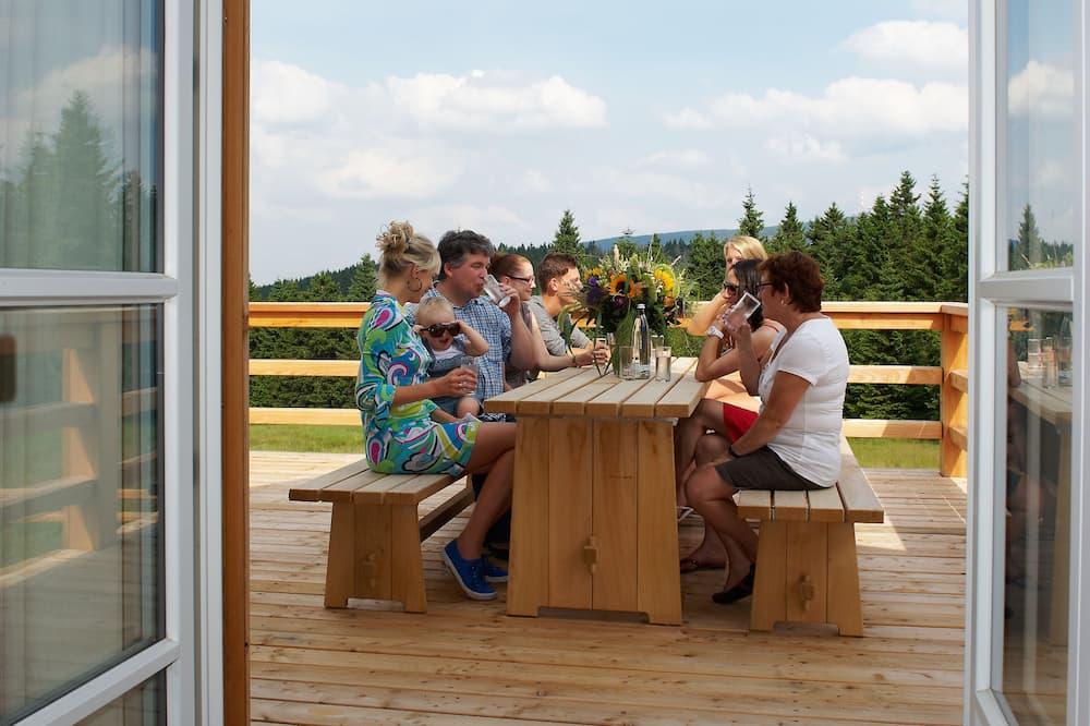 Family House, 3 Bedrooms, Fireplace - Teres/Laman Dalam