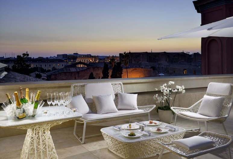 Palazzo Montemartini Rome, A Radisson Collection Hotel, Rome, Bar de l'hôtel