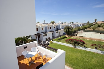 Picture of Apartamentos Cristina in Son Servera
