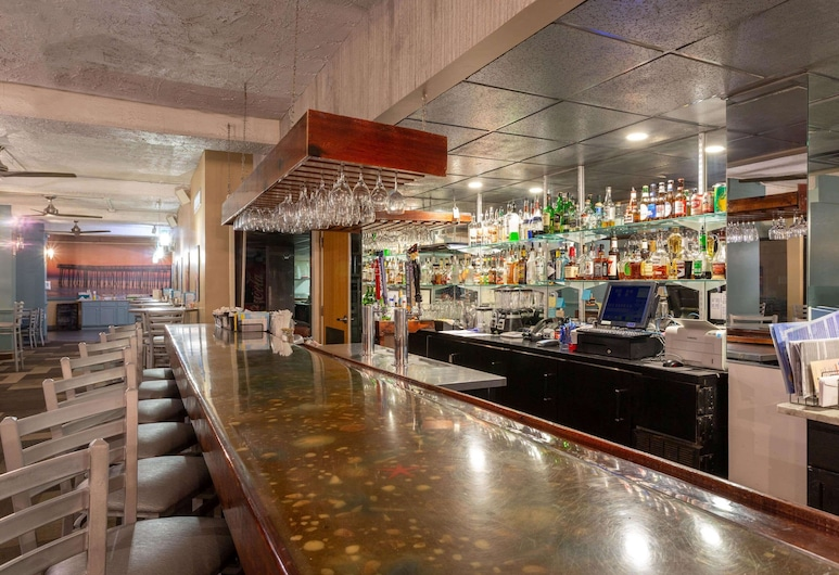 Ramada Plaza by Wyndham Virginia Beach, Virginia Beach, Hotel Bar