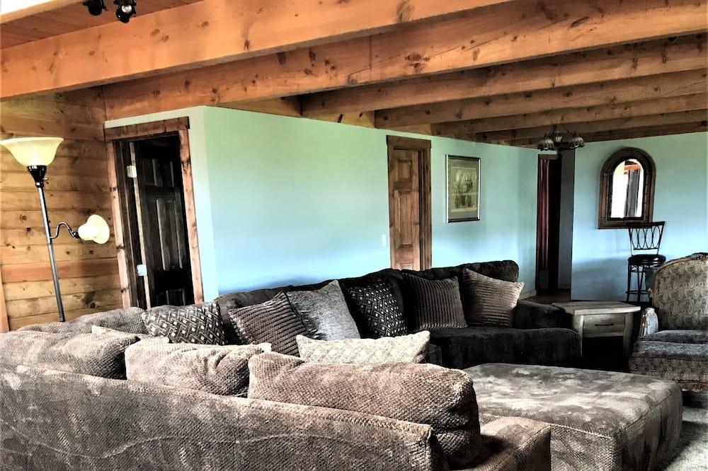 Rodinná chatka, více lůžek, kuchyně - Obývací prostor