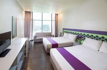Picture of V Hotel in Manila