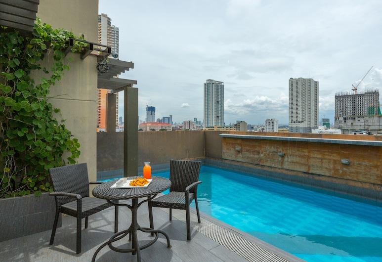 V Hotel, Manila