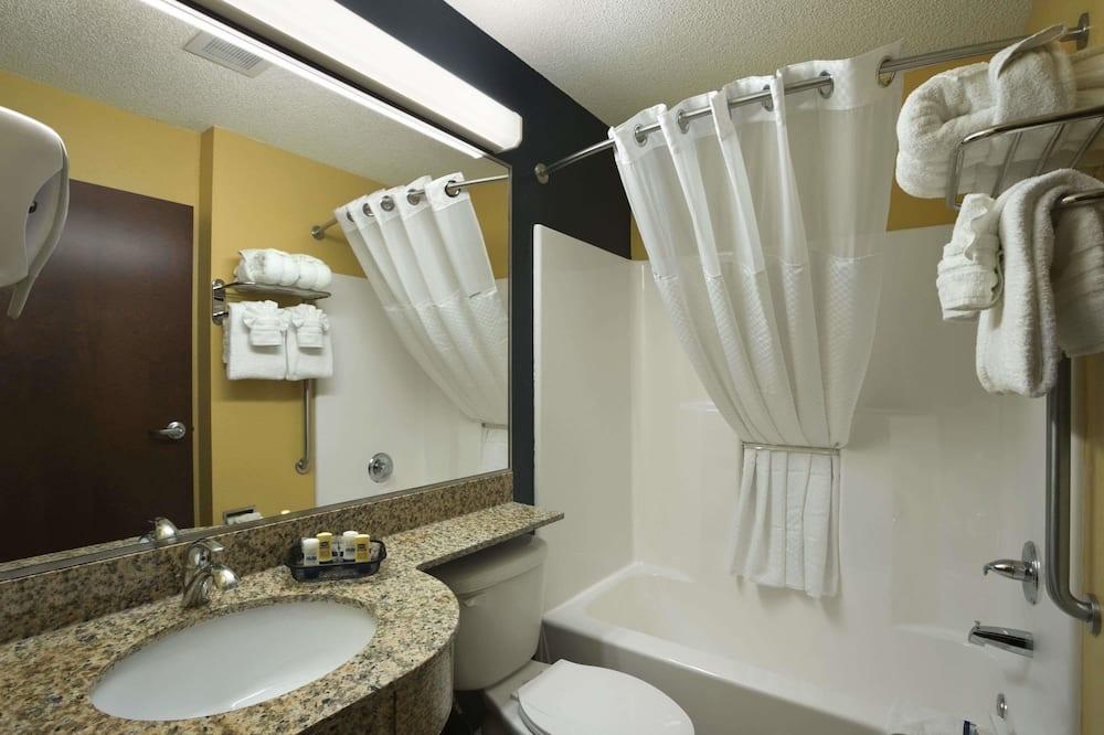 Студія-люкс, 1 ліжко «квін-сайз», для некурців - Ванна кімната