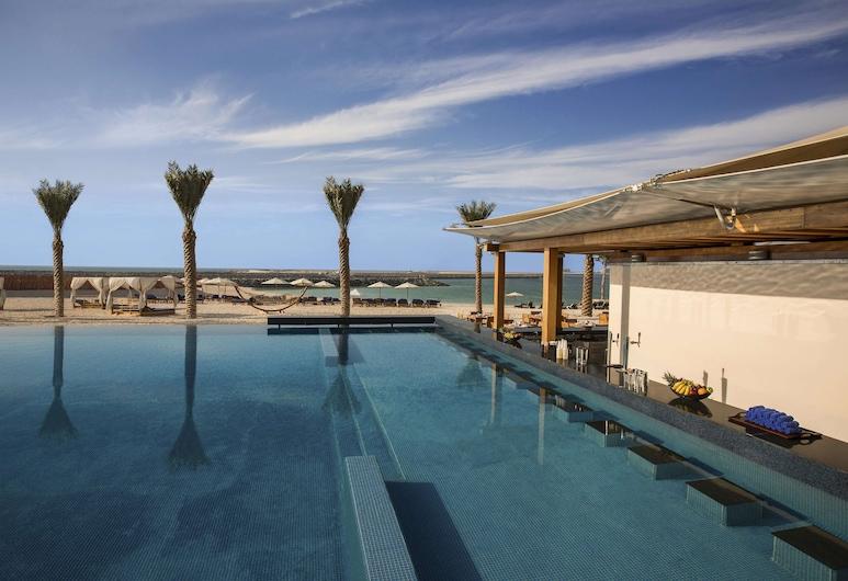 DoubleTree by Hilton Dubai - Jumeirah Beach, Dubai, Pool