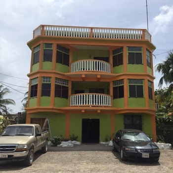 Choose This Cheap Hotel in Dangriga