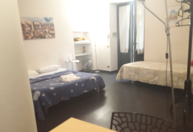 Romeo and Juliet B&B and Apartaments, Bergamo, Basic Single Room, Guest Room